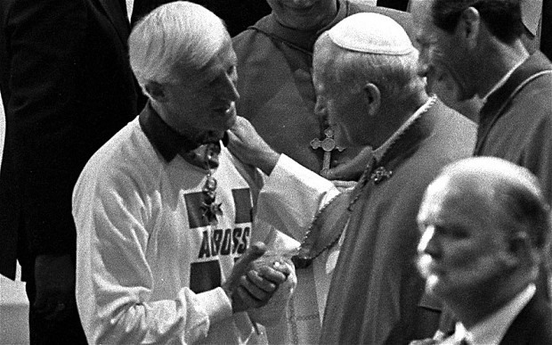 jimmy-savile-and-pope.jpg