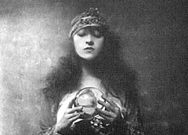 Young Girls as Fortune Tellers from the Late 19th to Early 20th Centuries (7).jpg