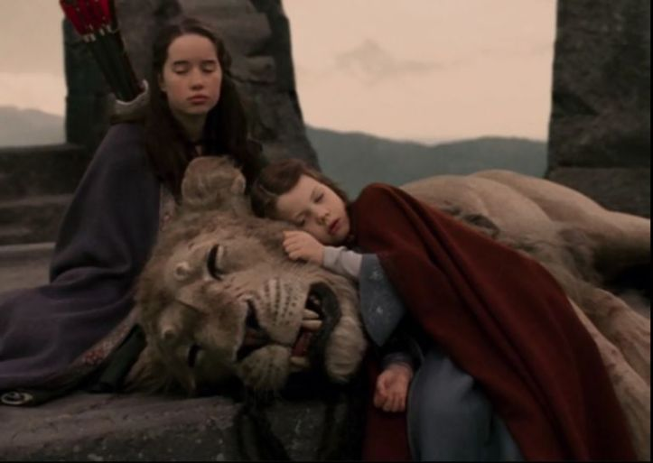 gallery-1492080893-the-lion-the-witch-and-the-wardrobe